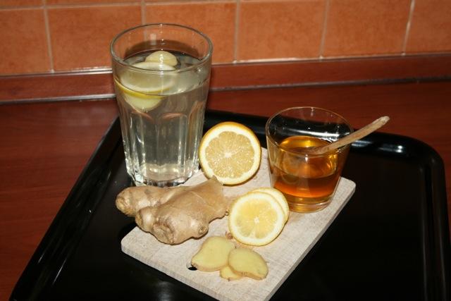 Oczyszczanie jelit napój na bazie cytryny i imbiru